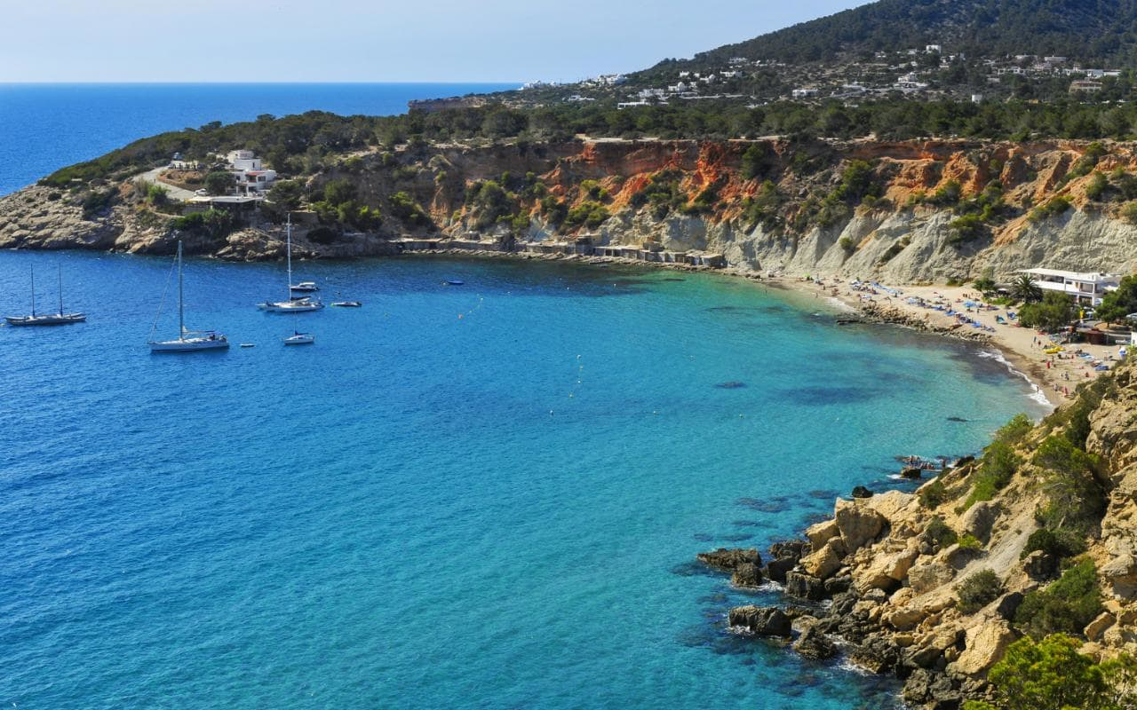 Ibiza against wild tourism: just Airbnb and similar platforms