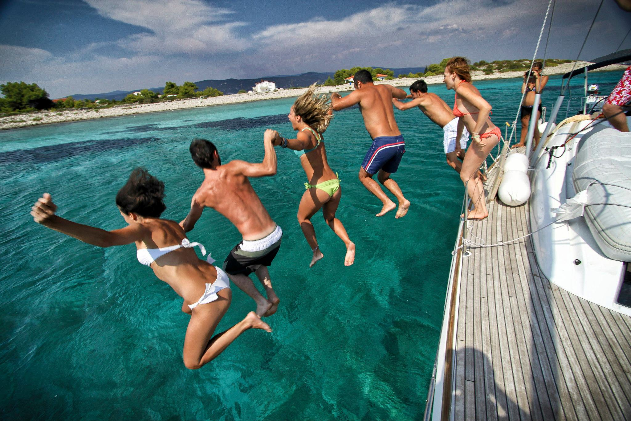 Sailing holidays: tips for the first time