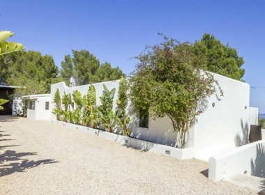 ikh.villas-luxury-villa-ibiza-isabel Boques Luxury Villa Ibiza (1)-w1800-h950-1