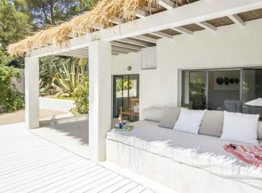 ikh.villas-luxury-villa-ibiza-isabel Boques Luxury Villa Ibiza (10)-w1800-h950-1