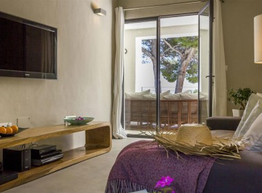 ikh.villas-luxury-villa-ibiza-isabel Boques Luxury Villa Ibiza (25)-w1800-h950-1