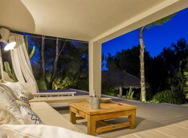 ikh.villas-luxury-villa-ibiza-isabel Boques Luxury Villa Ibiza (39)-w1800-h950-1