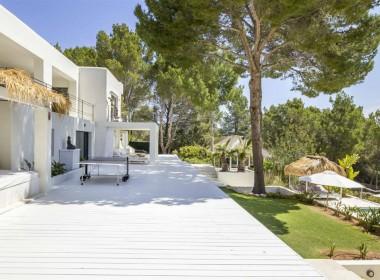 ikh.villas-luxury-villa-ibiza-isabel Boques Luxury Villa Ibiza (9)-w1800-h950-1
