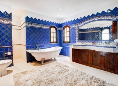 ikh.villas_Ibiza_Can-Martinet01-Master-bathroom