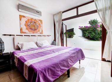 ikh.villas_Ibiza_Can-Martinet12-Pillars-room