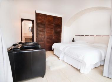 ikh.villas_Ibiza_Can-Martinet18-Carport-I